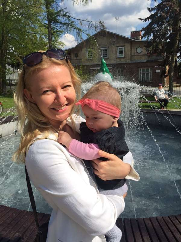 Hi Babysitter Kasia Nice And Educated Nanny From Poland Eng Fr Pl